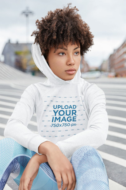 Hoodie Mockup of a Kinky-Haired Woman on the Street m4808-r-el2