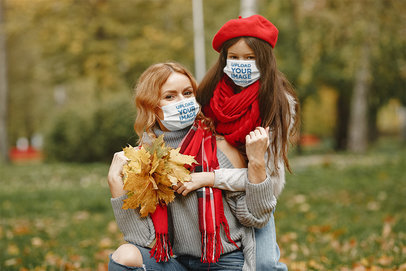 Face Mask Mockup Featuring a Woman and Her Daughter in an Outdoor Fall Setting 46916-r-el2