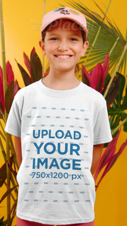 T-Shirt Video Featuring a Smiling Girl Surrounded by Palm Leaves 3950v