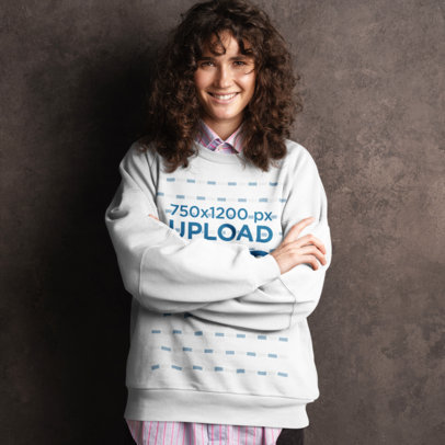 Sweatshirt Mockup Featuring a Smiling Woman Leaning over a Dark Wall M11495-r-el2