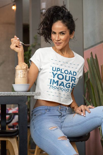 Crop Top Mockup of a Woman with a Healthy Smoothie 32776