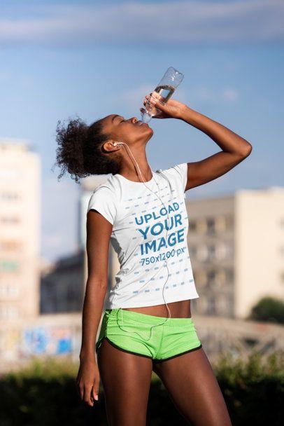 Jersey Mockup of a Female Runner Drinking Water 34376-r-el2