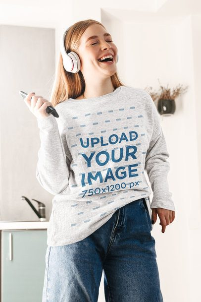 Mockup Featuring a Woman with a Sweatshirt Singing at Home 39077-r-el2