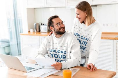 Sweatshirt Mockup Featuring a Couple at Home 40239-r-el2