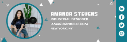 Email Signature Creator with a Minimalist Aesthetic for an Industrial Designer 3232q