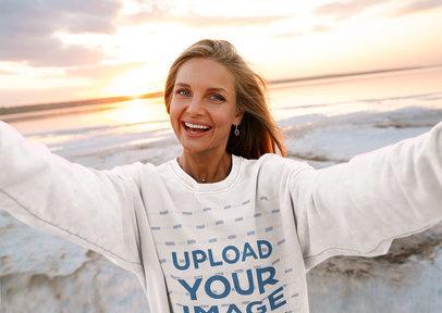 Sweatshirt Mockup of a Smiling Woman Taking a Selfie 45896-r-el2